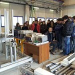 studenti del Galilei al laboratorio di Fisica dell'Università di Pavia